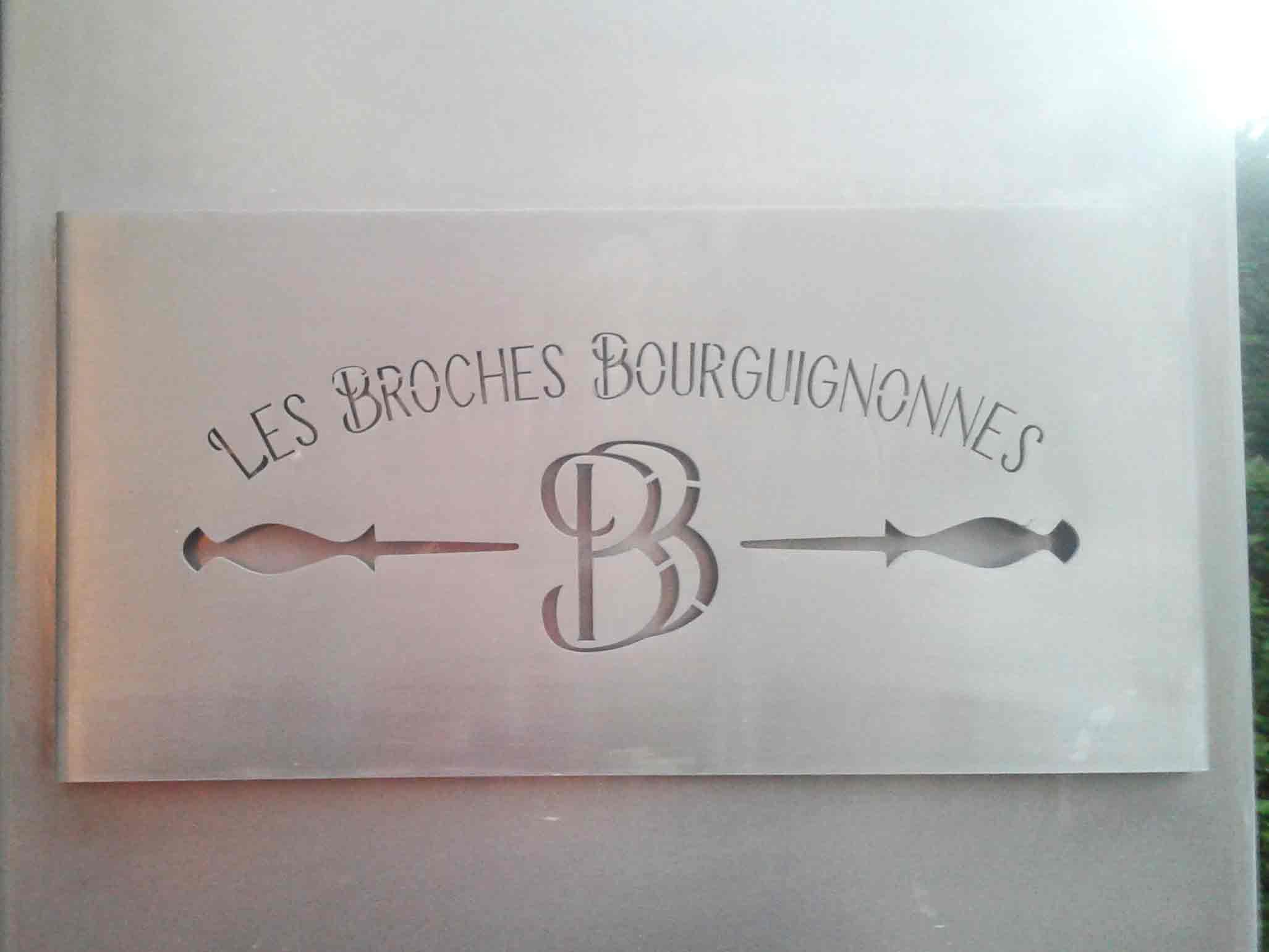 rendu final sur létal logo les broches bourguignonnes